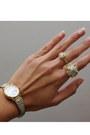 Gold-trifari-necklace-tawny-j-brand-jeans-beige-vintage-blazer