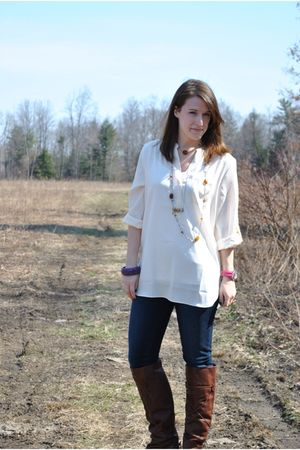 beige LC Lauren Conrad for Kohls top - blue Blank Denim jeans - brown Dolce Vita