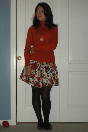 Forever 21 sweater - Forever 21 skirt - tights - shoes