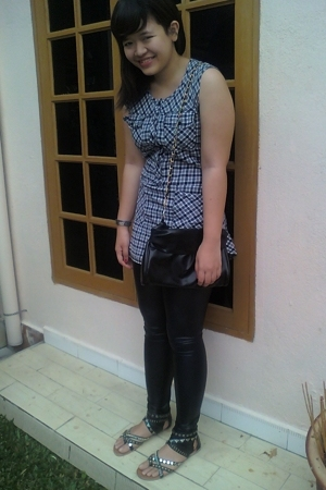 Nichii top - forever 21 leggings - forever 21 purse - Vincci shoes