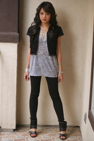 f21 leggings - f21 - f21 - Steve Madden shoes - necklace