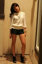 Target blouse - f21 shorts - f21 shoes - f21 necklace