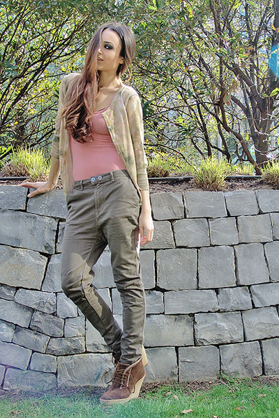 brown suede ankle boots - drop-crotch khaki pants - button down cardigan