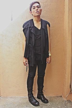 vest - shirt - pants - boots - accessories