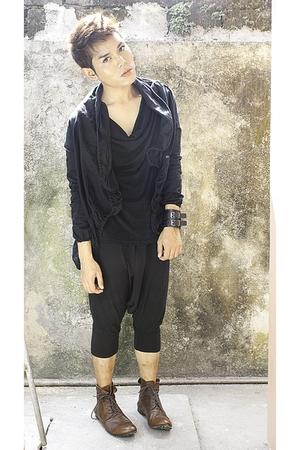 Piccinini jacket - Number Nine shirt - Zara pants - Junya Watanabe shoes - cuffs