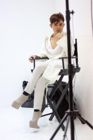 dark khaki kermit tesoro shoes - white Hussein Chalayan coat