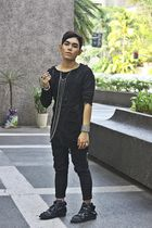 black shredded top - black xing pants - black from harajuku boots - silver anago