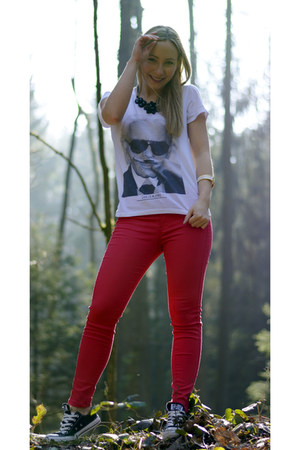 Eleven Paris t-shirt - Zara pants - Bijou Brigitte necklace - Converse sneakers