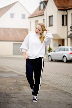 Zara sweater - Zara pants - Vans sneakers