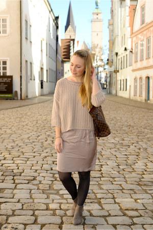 Zara boots - Marc OPolo dress - Louis Vuitton bag