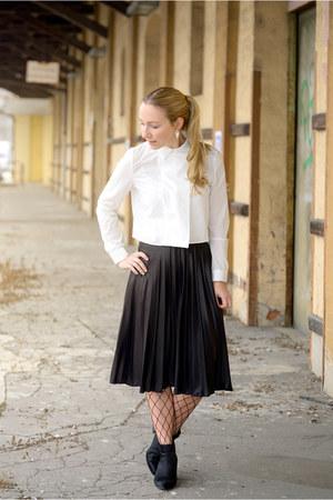 Vero Moda skirt - joop boots - StyleWe blouse