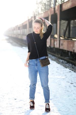 Zara sweater - BDG jeans - Louis Vuitton bag - Zara sneakers