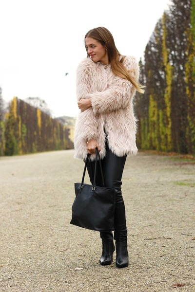 Light Pink Faux Fur H&M Jackets, Black Angle Booties Mango Boots ...