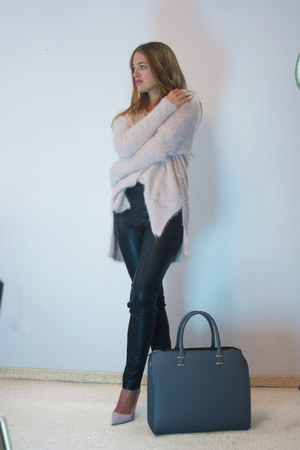 black leather Vero Moda pants - light pink H&M sweater - charcoal gray H&M bag