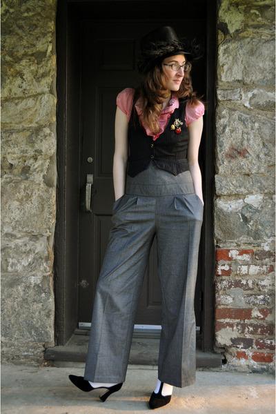 black vintage hat - red H&M shirt - gray River Island pants - gold vintage acces