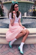 pink vintage skirt - blue vintage shoes - white socks - white modcloth shirt - s