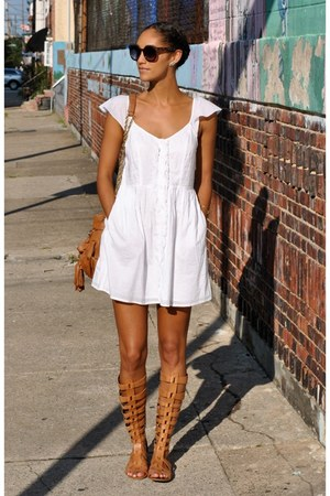 Urban Outfitters dress - Urban Outfitters sunglasses - Kristin Perry earrings