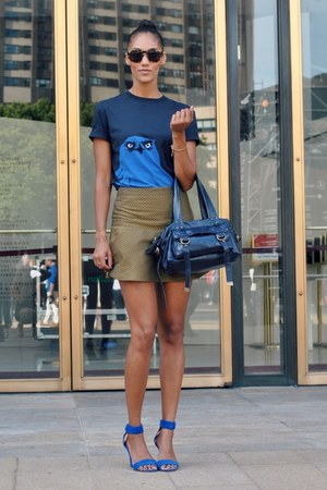 navy mcq alexander mcqueen t-shirt - navy cynthia rowley bag