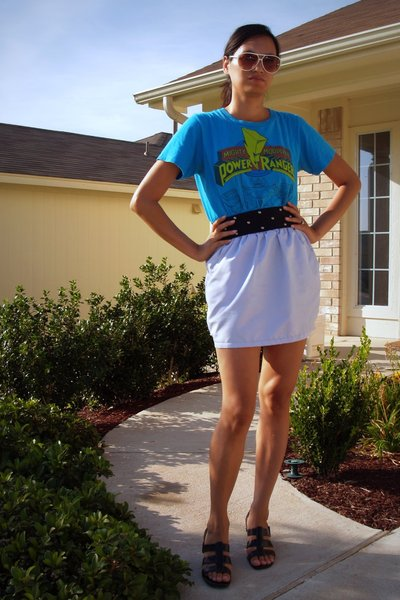 savers t-shirt - American Apparel skirt - Joan and David shoes - Buffalo Exchang