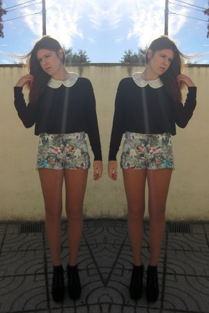black Bianca boots - Zara shorts