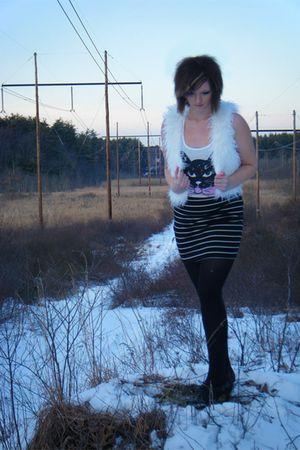 white Forever 21 vest - black Forever 21 skirt - pink Forever 21 top