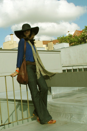 blue Guido & Mary jeans - blue Jcrew hat - blue Pure & Simple top - brick red Fr