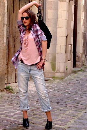 blue jeans - black Max Azria purse - black shoes - pink top - pink blouse - blac