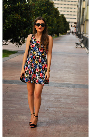 Stradivarius dress - Paco Martinez bag - Stradivarius heels