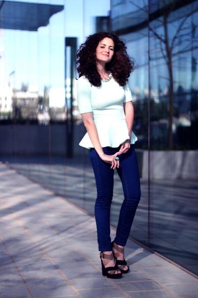 Navy-miss-nrg-jeans-sky-blue-romantic-h-m-top_400