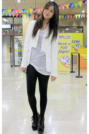 black WAGW leggings - white Ralph Lauren buy  BestFinds ThriftShop blazer - whit