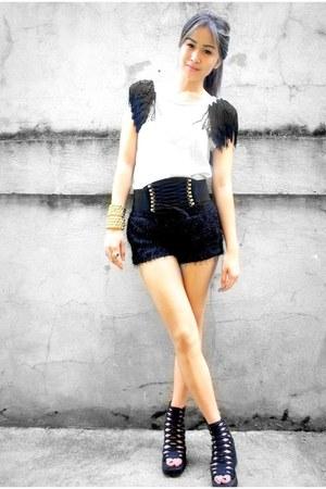 black BESTFINDS THRIFTSHOP shoes - black fur WAGW shorts - off white fringed BES