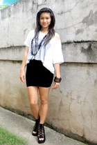white random brand shirt - black skirt - BESTFINDS THRIFTSHOP shoes