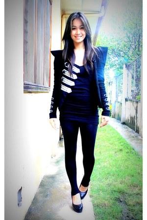 black BESTFINDS THRIFTSHOP shoes - black WAGW leggings - black so balmain BESTFI