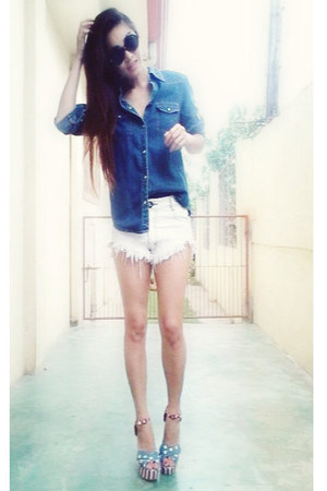 white oneteasepoon shorts - navy bestfindsthriftshop top - AsianVogue heels