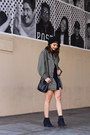 Navy-suede-madewell-boots-black-beanie-slouchy-urban-outfitters-hat
