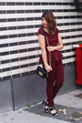 Brick-red-tractr-jeans-jeans-black-crossbody-olivia-joy-bag
