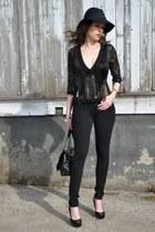 black Patrizia Pepe hat - black Ana Alcazar jacket