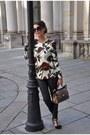 Black-claudia-obert-shoes-black-oakwood-leggings-mustard-dolce-gabbana-bag
