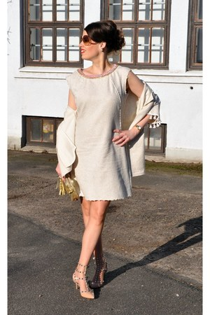 beige Tuzzi dress - beige Tuzzi blazer - gold Chanel bag