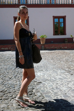 celyn b dress - Louis Vuitton bag - borgo degli ulivi flats