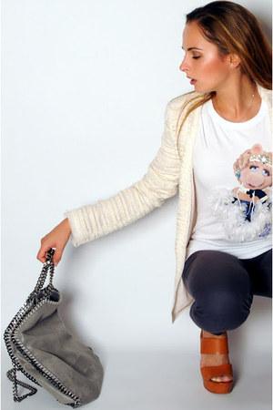 Pinko shirt - Zara blazer - Stella McCartney bag - Chloe heels - Zara pants