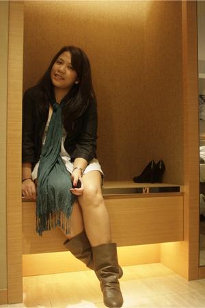 coat - top - scarf - boots