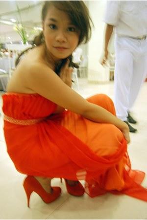 Aunts Couturier dress - orange suede Secret pumps