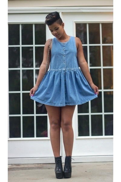 Thrift store vintage clothing   Online clothing stores