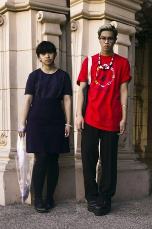 red Nautica t-shirt - navy H&amp;M shirt - black H&amp;M necklace - navy skirt