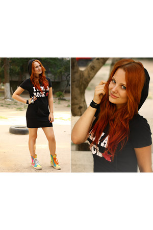 black bonbo dress - Vans sneakers
