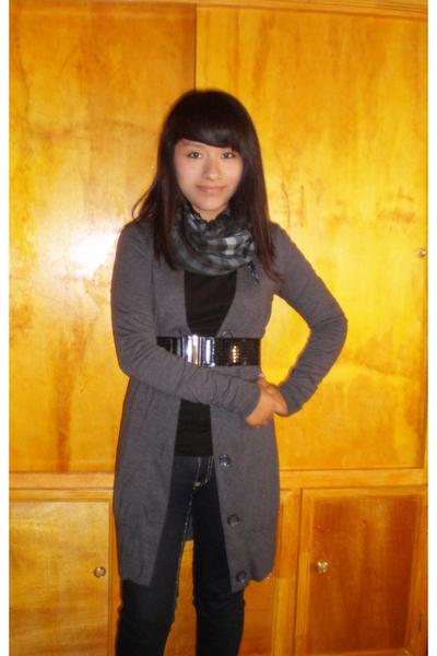 black Tyte Jeans belt - pants - black PINCH blouse - gray BELLE DU JOUR cardigan