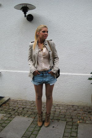 blue acne shorts - brown Zara shoes - beige Zara jacket - brown Marc Jacobs acce
