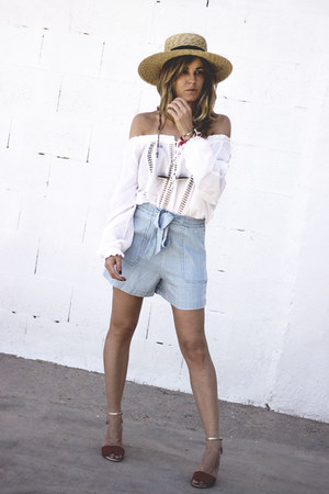 light blue Stradivarius shorts - maroon Mango sandals - white hm blouse