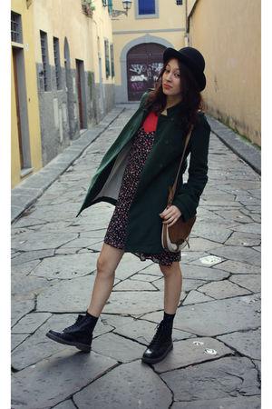 black Herbert Johnson hat - green M Grifoni coat - black max&co dress - red Comp